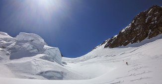 Guides Agency Mountaineering Chamonix Val thorens Black Ski